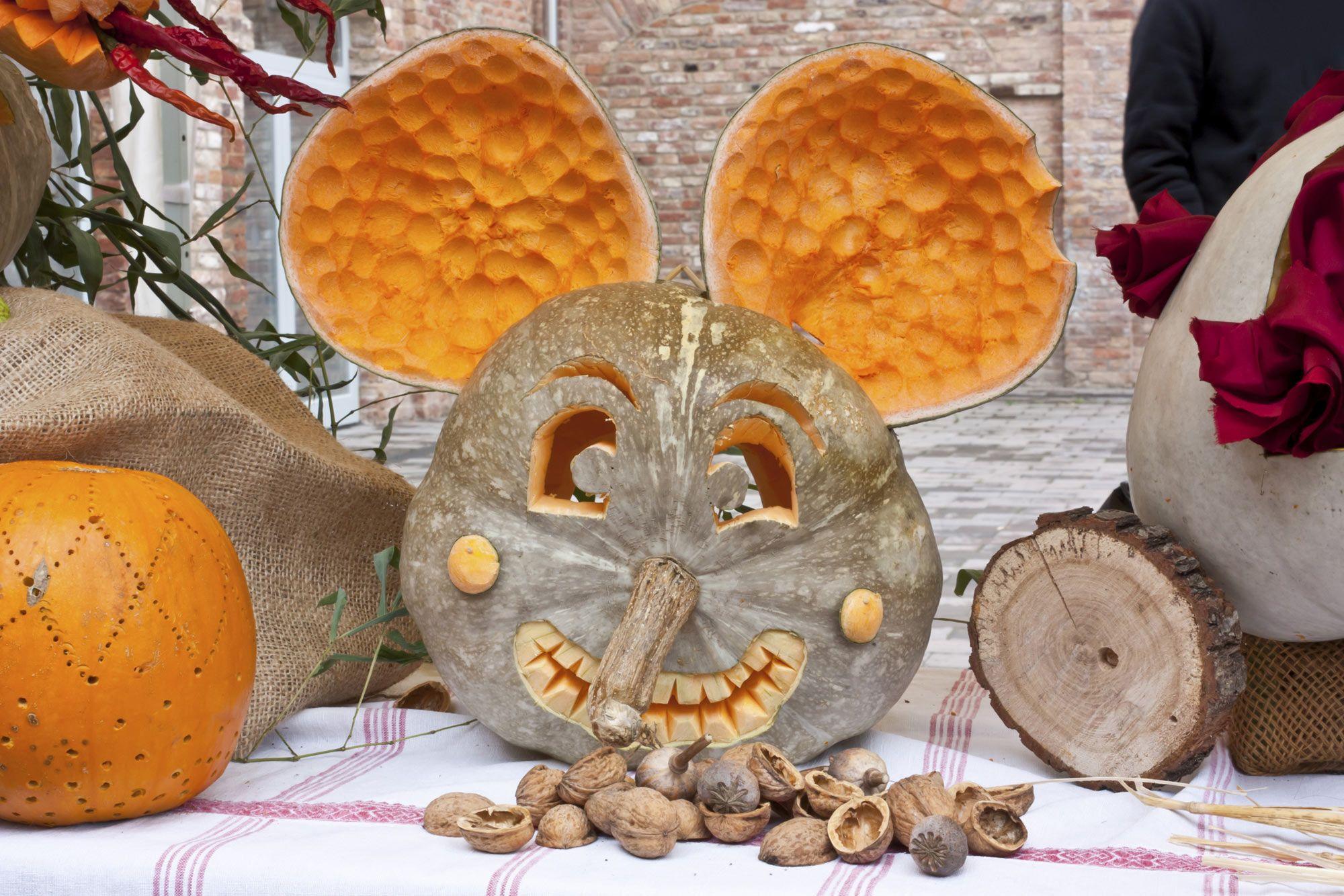 Calabaza con forma de cara de ratón