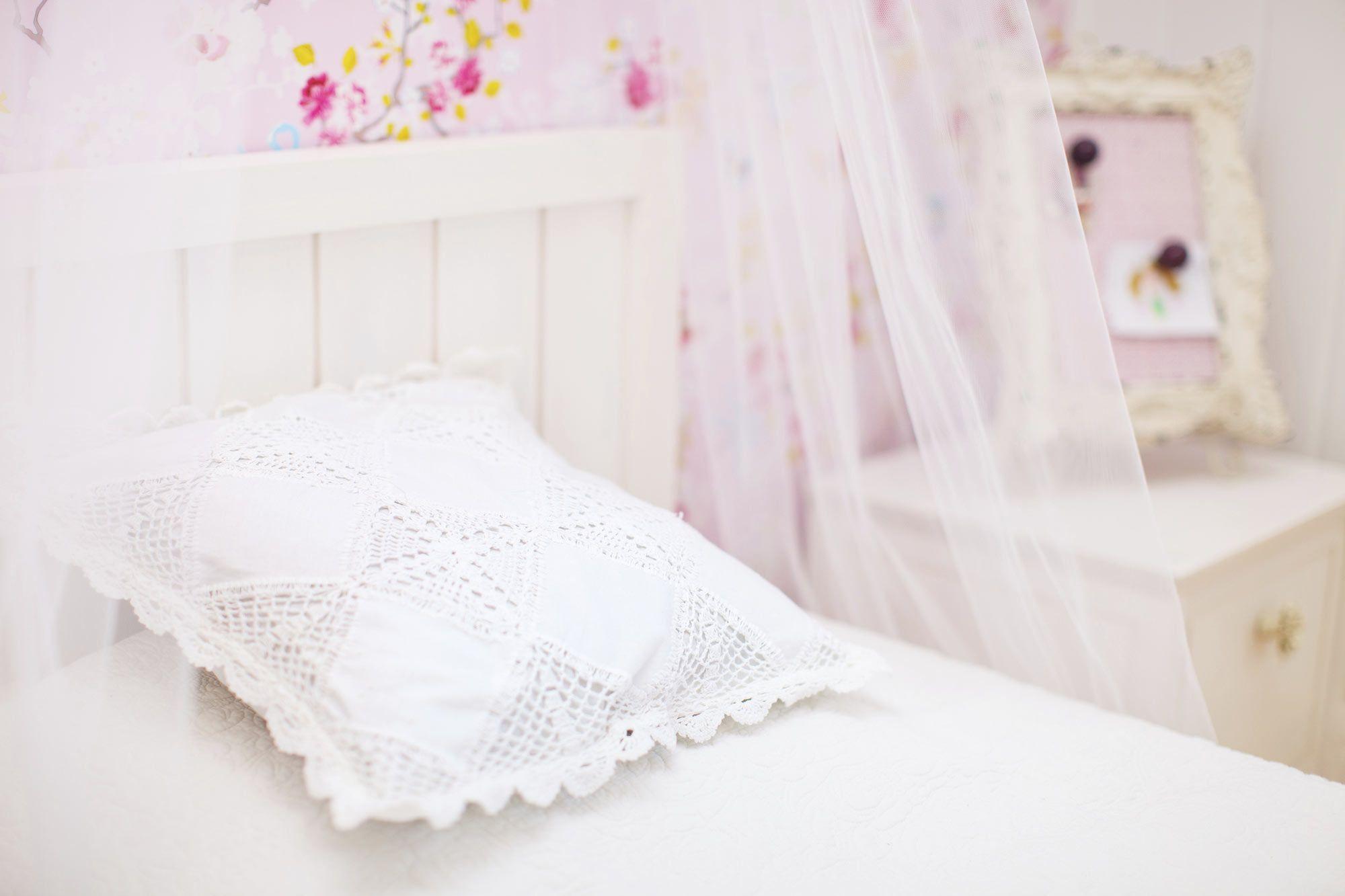 Dormitorio juvenil, sencillo y femenino