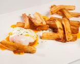 Huevo, chistorra y patatas