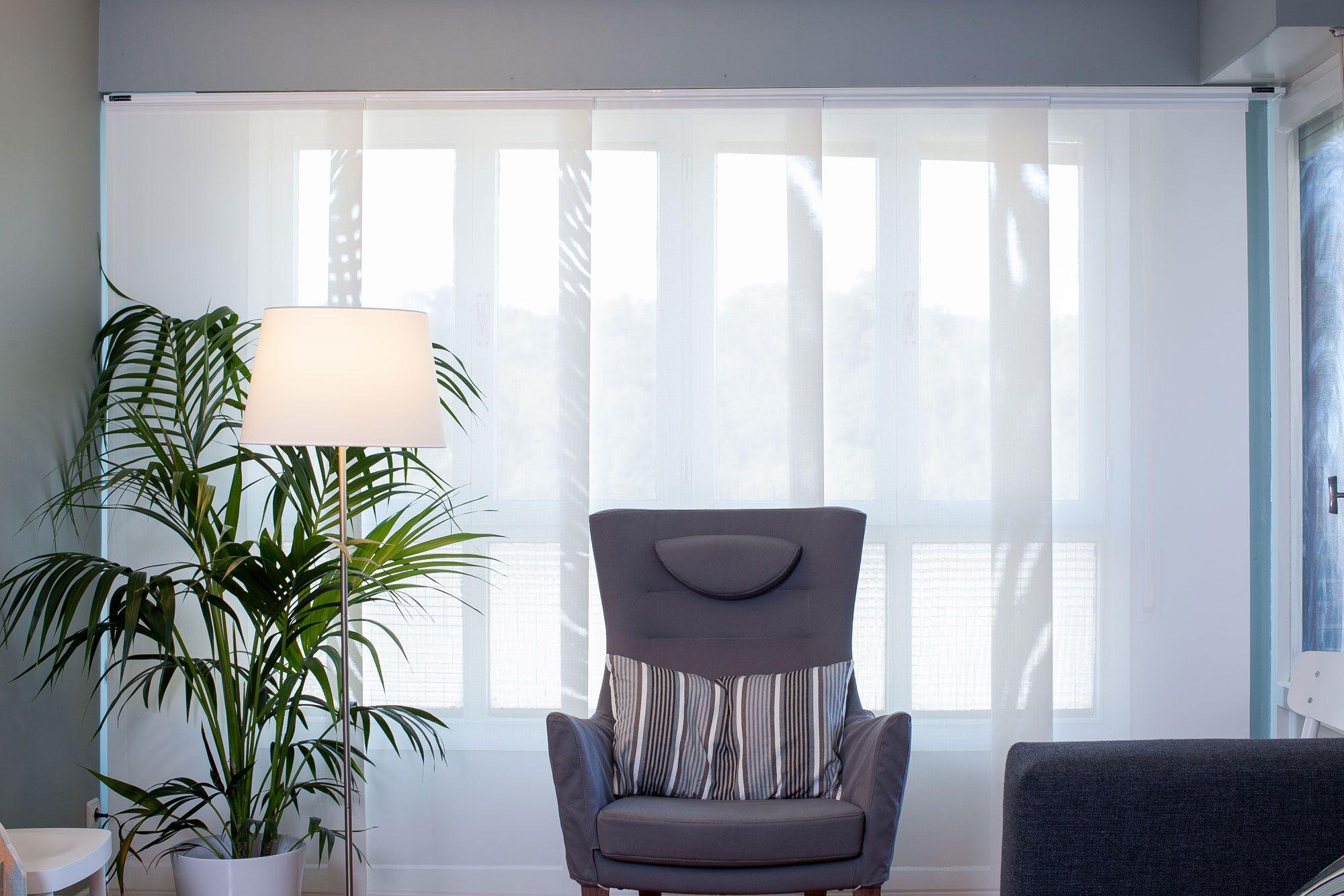 Estores persianas y paneles para la decoraci n de for Tipos de cortinas y estores