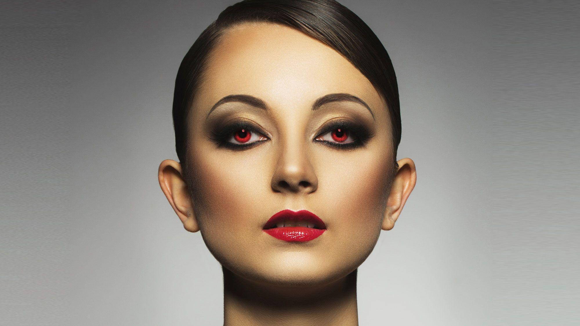 mirada maquillaje vampiresa