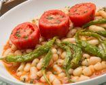 Pochas con guindillas y tomate