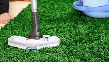 Como quitar manchas de chicle o cera de la moqueta hogarmania - Como limpiar una alfombra de pelo largo ...