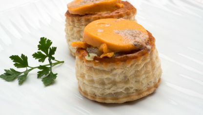 Receta de mini volovanes de salm n con salsa americana karlos argui ano - Bagna cauda vegana ...