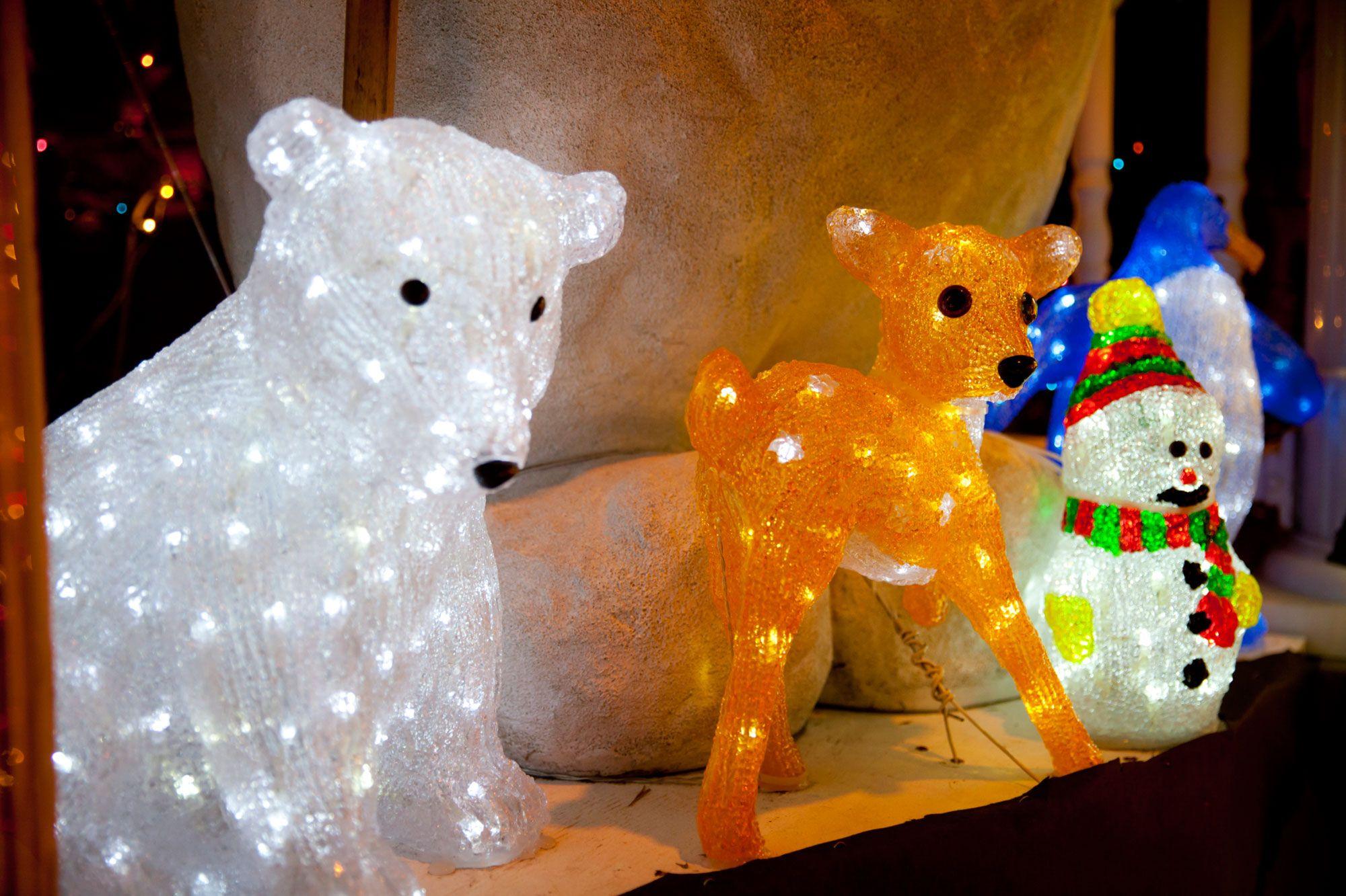 Adornos navide os para el exterior hogarmania for Luces para exterior de casa