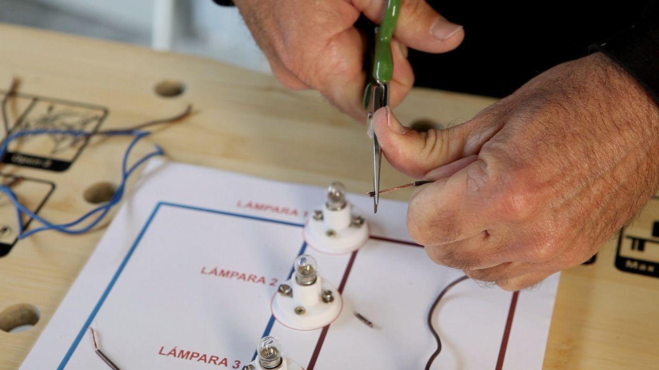 Circuito En Paralelo : Circuito eléctrico en paralelo paso