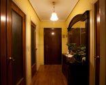 Hall elegante y modernista - antes