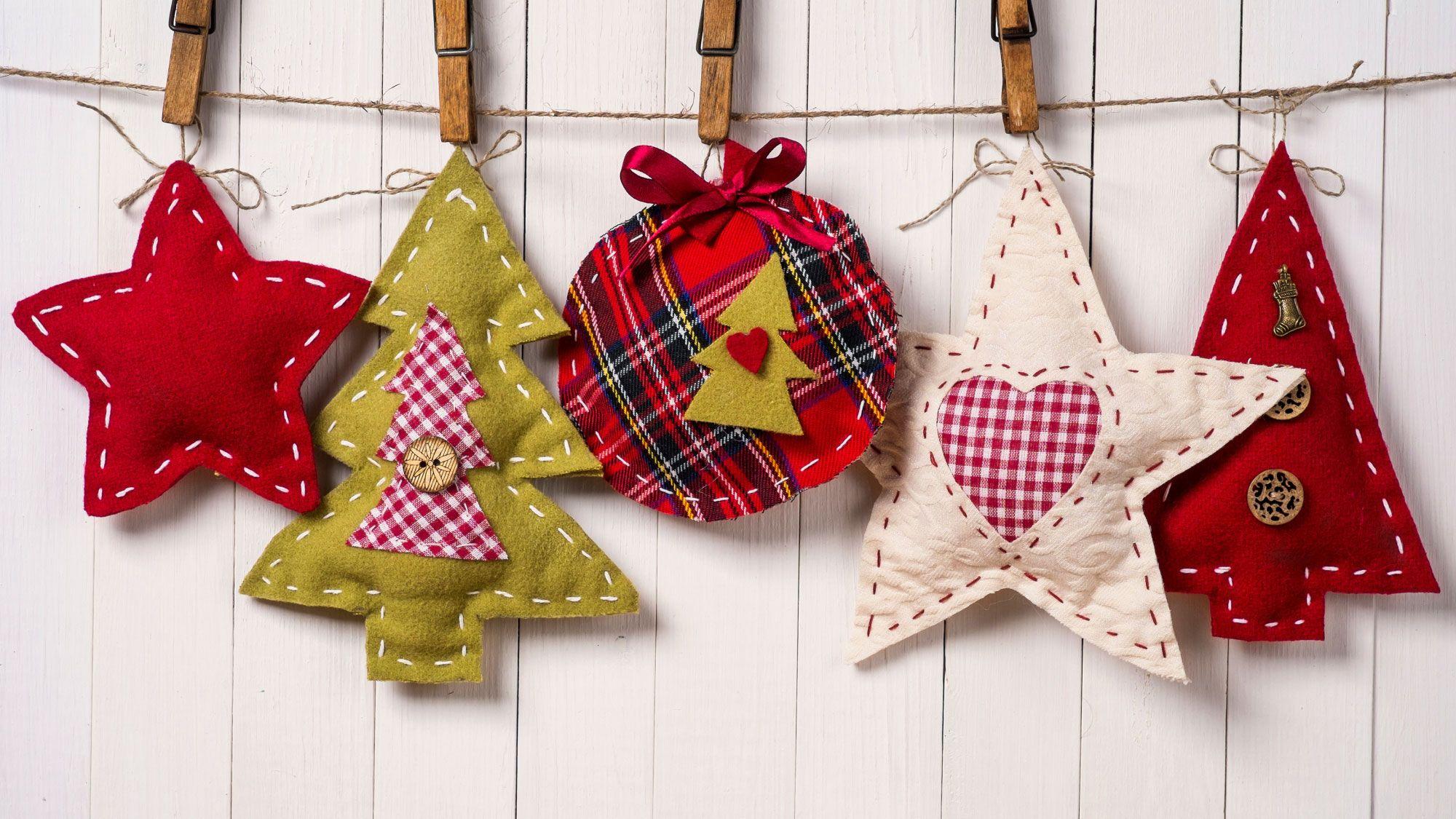 Adornos de tela navideños