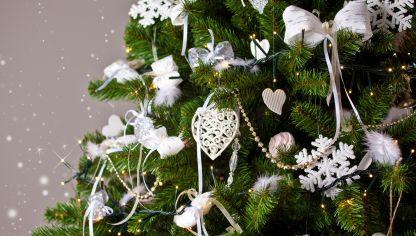 Ideas para presentar las servilletas en navidad hogarmania - Como decorar mi arbol de navidad blanco ...