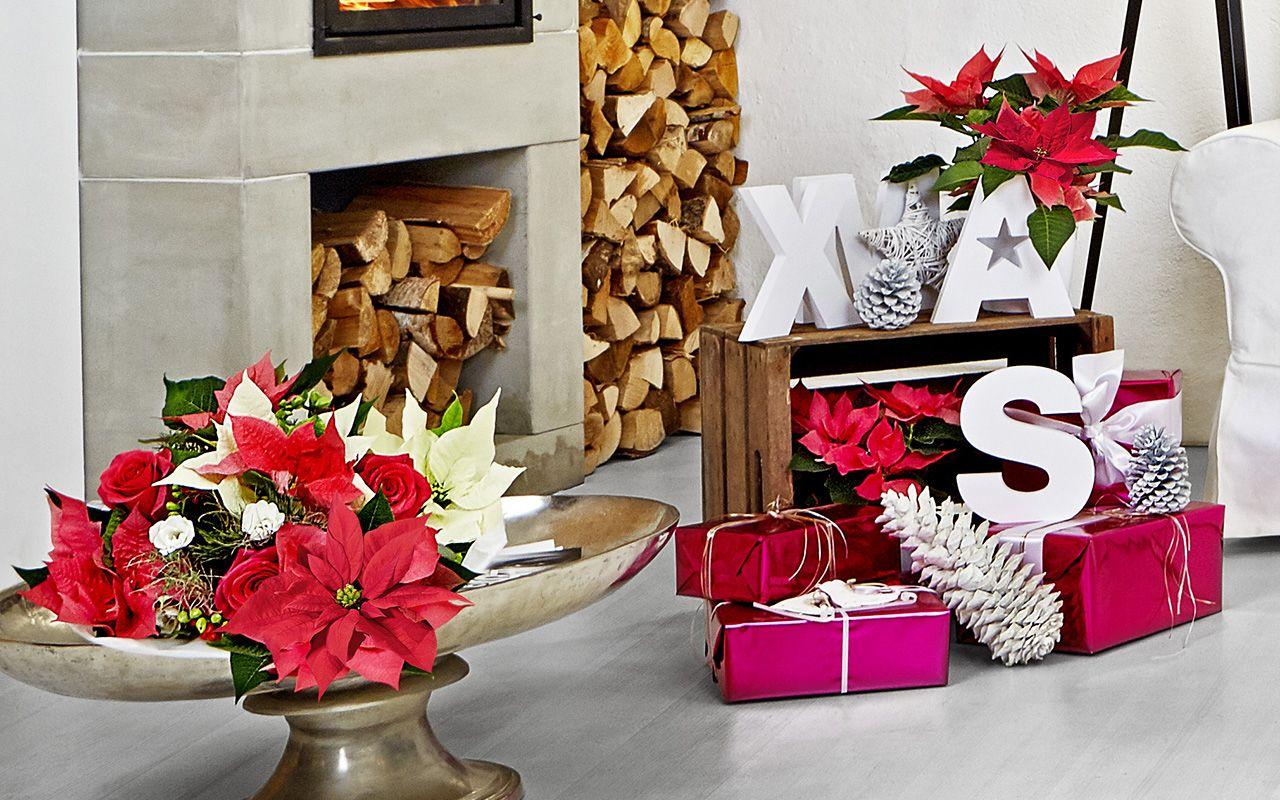 Decoración navideña para sala de estar moderna