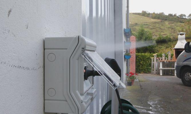 Caja de enchufes de exterior bricoman a - Enchufes de exterior ...