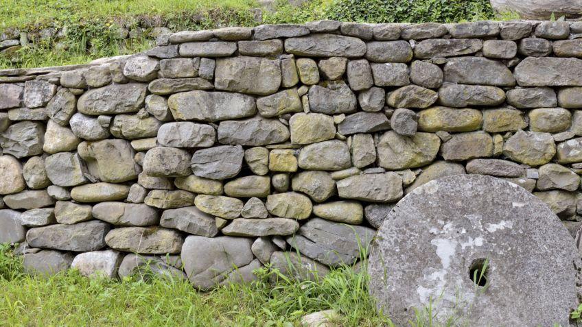muro de piedra seca para el jardn bricomana - Muro De Piedra