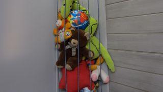 Mueble rinconero para guardar juguetes