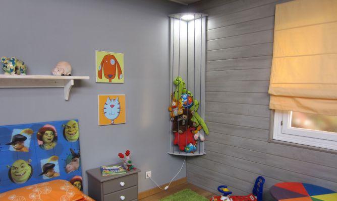 Mueble rinconero para guardar juguetes bricoman a for Mueble juguetes
