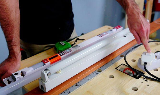 cambiar tubo fluorescente por led bricoman a