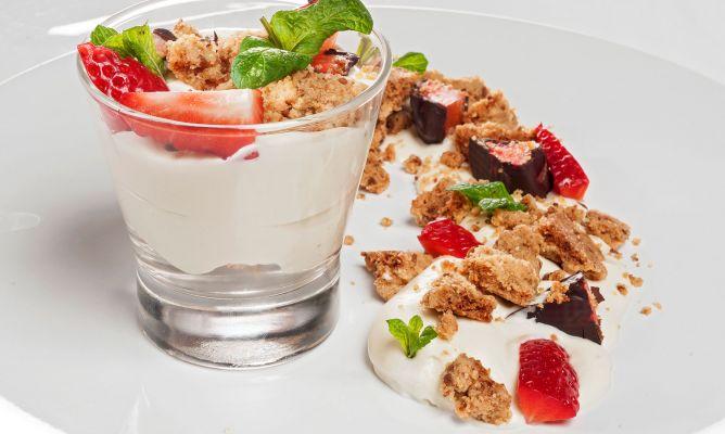 Receta de Mousse de chocolate blanco con crumble de almendra - Bruno Oteiza