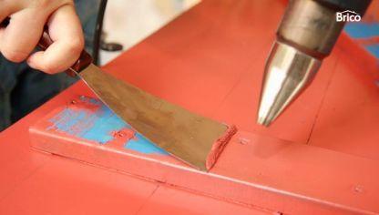 C mo lijar un mueble para quitar la pintura bricoman a for Quitar pintura de madera