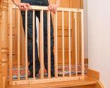 Cómo colocar una barrera de seguridad infantil en una escalera - Paso 10