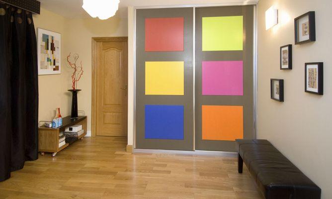 Decorar las puertas de un armario con paneles de colores - Decorar puertas de armarios ...