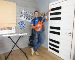 Cómo personalizar una puerta con teclado de piano