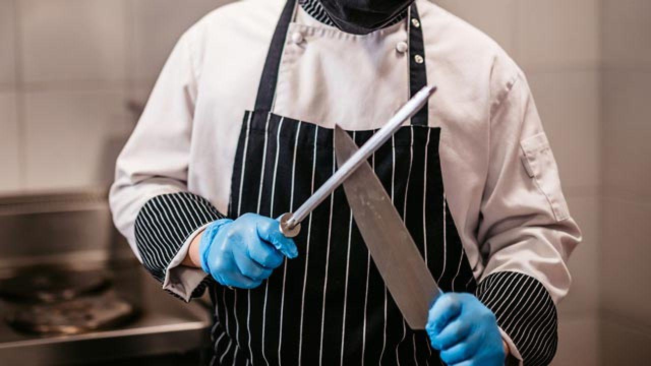 Afilar tu cuchillo con una chaira