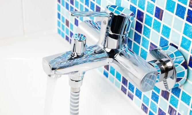 Ideas para decorar el ba o en color azul hogarmania for Decoracion petrole azul