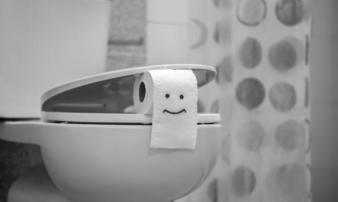 C mo limpiar el inodoro con refresco de cola hogarmania - Como limpiar bien el bano ...