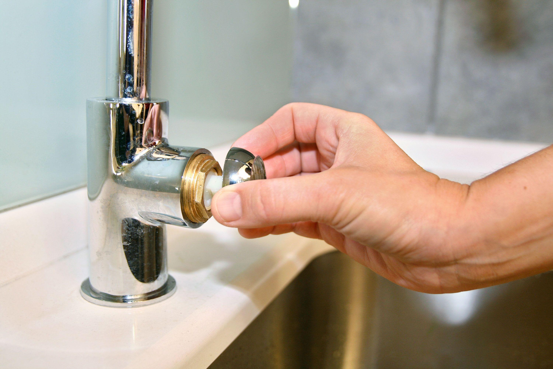 Mantenimiento de grifo monomando bricoman a for Llave tubo para valvula de ducha