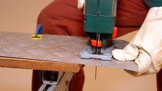 Cómo cortar aluminio