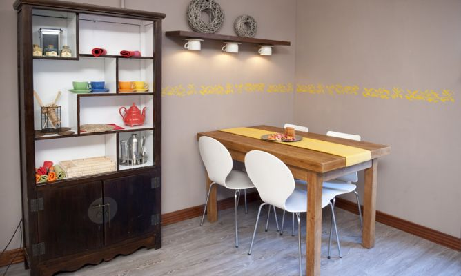 Cenefa en la pared bricoman a - Tapar azulejos cocina ...