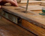 Reciclar puerta de madera para hacer una mesa