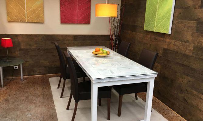 Reciclar puerta de madera para hacer una mesa bricoman a for Bricomania decoracion