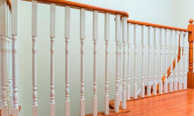 C mo pintar barandillas de madera hogarmania - Como pintar una escalera interior ...