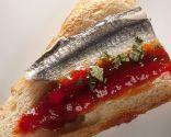 Pintxo de anchoas con mermelada de pimientos