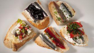 5 pinchos con anchoas marinadas
