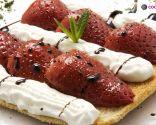 Tostas de fresas asadas con nata