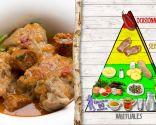 Manitas de cerdo guisadas, plato rico en proteínas