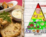 Pan de jamón con queso y aceitunas, plato saludable y nutritivo
