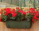 Colocación de soportes para jardineras