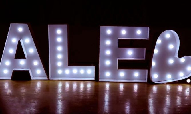 C mo hacer letras luminosas de cart n hogarmania for Programa decoracion 3d