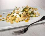 Ensalada de garbanzos con pollo y vinagreta de curry