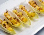 Ensalada de endibias, mango y almendras