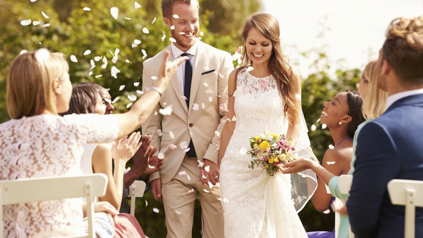 Resultado de imagen de bodas bautizos comuniones