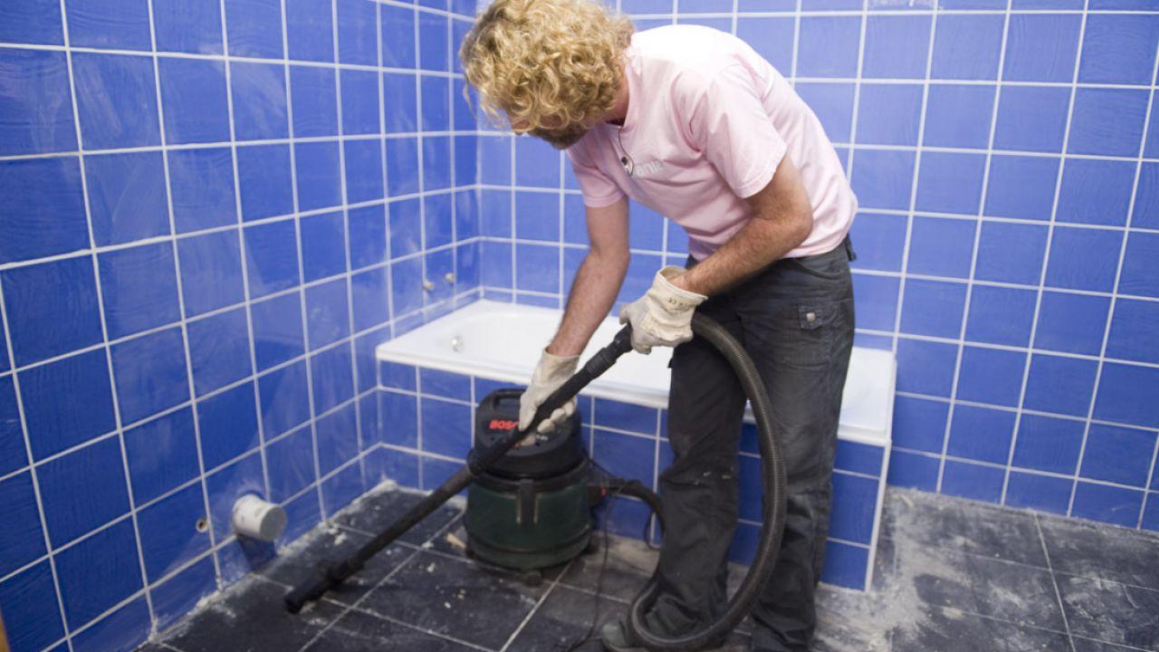 Cómo alicatar un cuarto de baño - Detalle