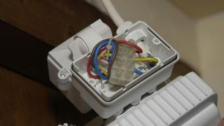 Foco exterior con detector de movimientos