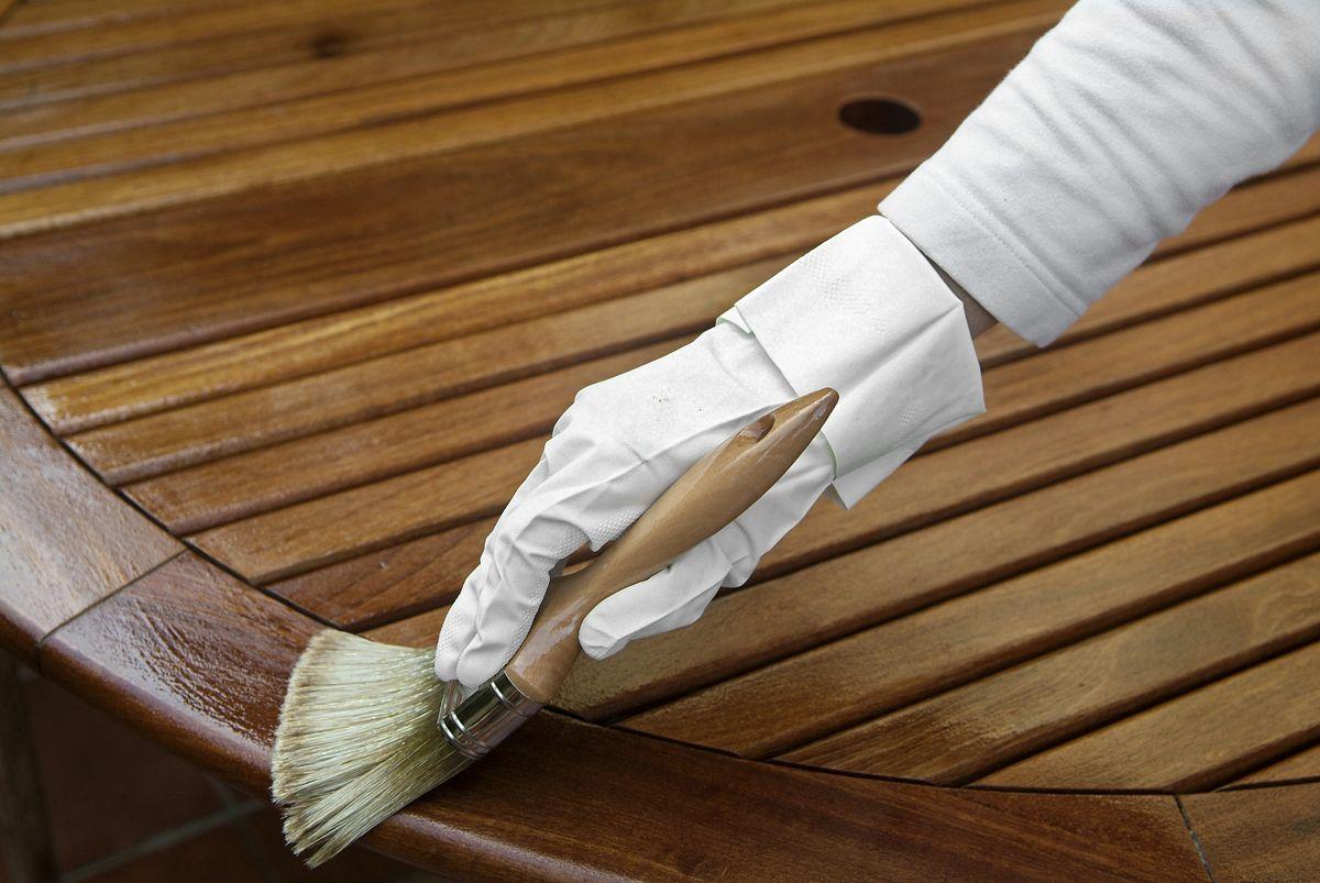 Aplicar un protector a la madera