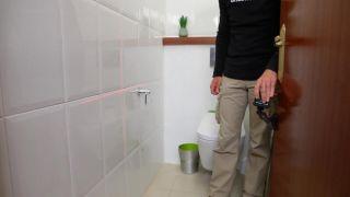 Colocar una repisa en el baño