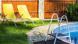 Consejos para decorar jardines con piscina - Seguridad