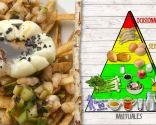 Huevos, gambas, ajos frescos y patatas, plato rico en proteínas de calidad