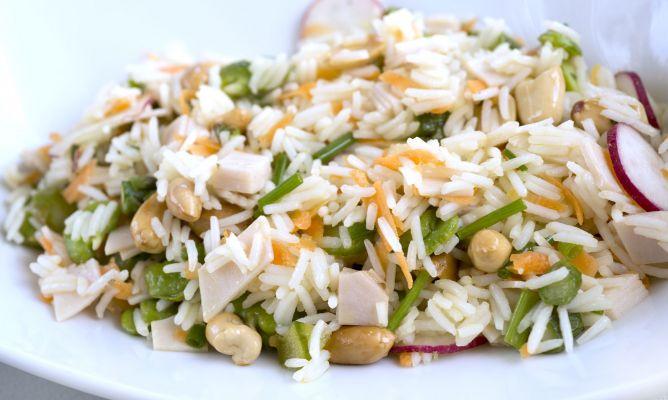Receta de ensalada de arroz con pavo y cacahuetes karlos - Ensalada de arroz light ...